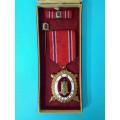 """DOK IV. – Zlatý čestný odznak - IV. stupeň  """"čestný člen"""" 1. třída 1945-49 za civilní zásluhy"""