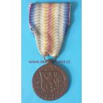 Československá medaile za vítězství - Mezispojenecká vítězná medaile s podpisem medailéra - varianta závěsu