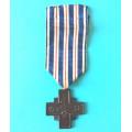 Pamětní odznak SNG - Kříž za věrné služby z roku 1938- tmavý bronz s podpisem - varianta a